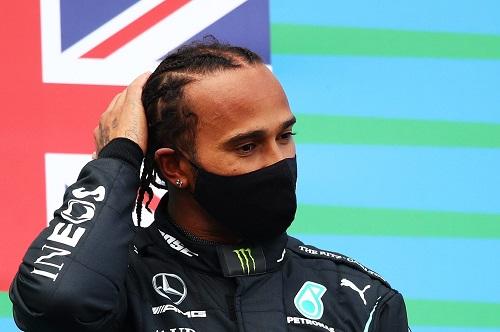Hamilton trionfa a Barcellona. Leclerc ottimo quarto. Bene anche Sainz