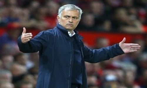 Premier League, il Manchester United esonera Mourinho