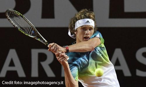 Atp Finals, vince Zverev: Djokovic ko 6-4 6-3