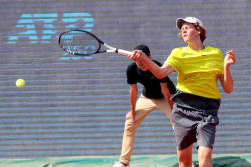 Tennis, ATP Budapest: prima vittoria per Jannik Sinner