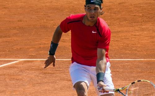 Tennis, ATP Barcellona: Nadal vince a fatica con Mayer